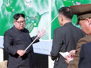 Severokorejský vůdce Kim Čong-un představuje svoji ideu lázeňského a lyžařského...