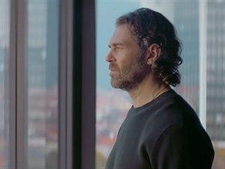 Cesta na vrchol není nikdy snadná, připománá v reklamě Huawei Jágr