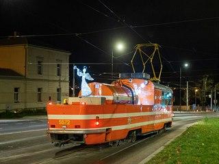 Rozsvícení vánoční tramvaje, retrobusu a tramvaje mazačky. Mikulášské odpoledne...