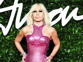 Donatella Versace na British Fashion Awards (Londýn, 2. prosince 2019)