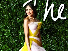 Olivia Culpo na British Fashion Awards (Londýn, 2. prosince 2019)