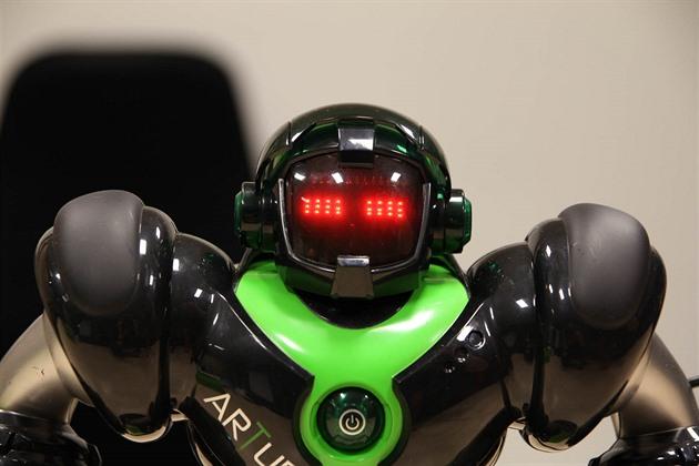 TEST: Roboti Zigybot jsou zábavní jen první hodinu. Programovat nejdou