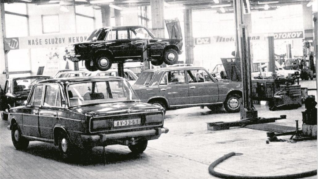 Automechanik vzpomíná: před sametem nebyly díly, auta byla jednodušší
