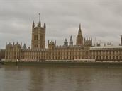 Londýnské Houses of Parliament (ilustrační snímek)
