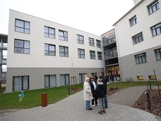 Nový domov, který vznikl v historické zahradě bývalého školního statku,...