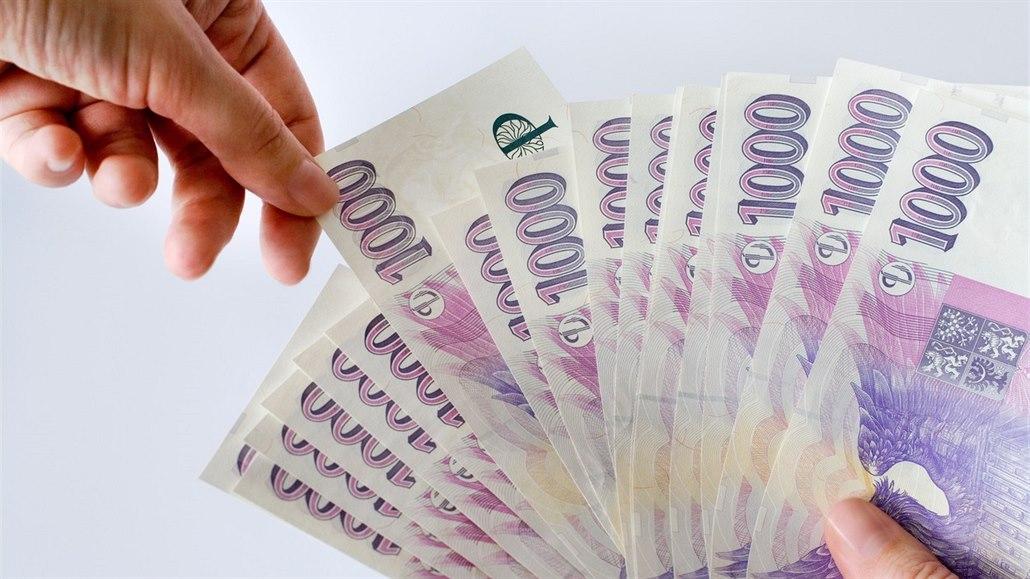 Každý Čech dluží 153 tisíc. Státní manko stouplo na 1,640 bilionu korun