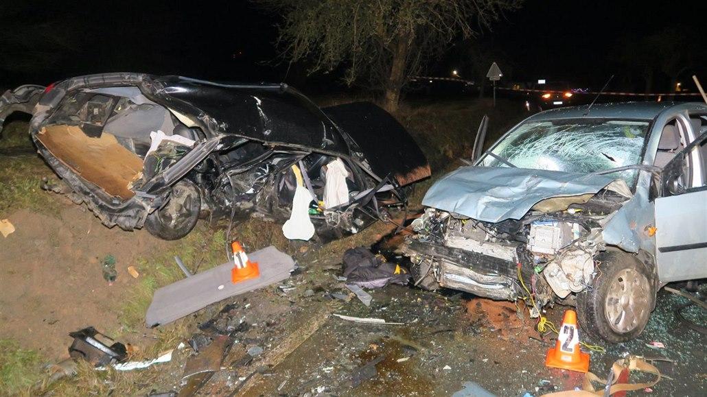 Osmnáctiletý řidič boural kvůli rychlosti, zemřela o rok mladší dívka