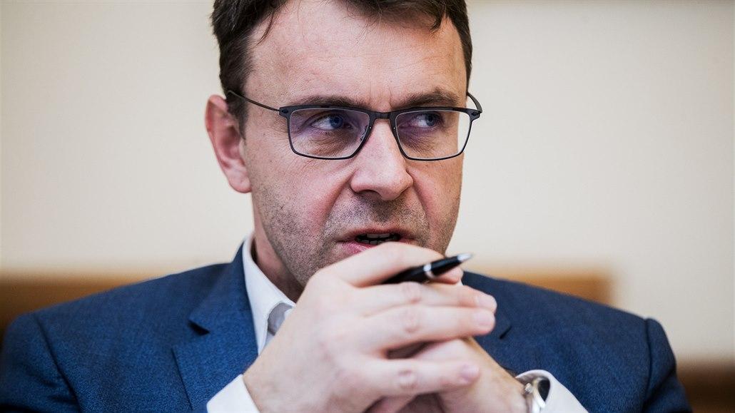 Bývalý ministr Kremlík je zpět v dopravě. Založil institut pro její rozvoj