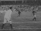 Fotbal nebo vlastní veslo? To před 100 lety řešil fotbalový svaz