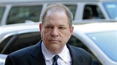 Weinstein čelí dalším obviněním ze sexuálních trestních činů. Pětice žen ho viní z přečinů z let 2004 až 2013