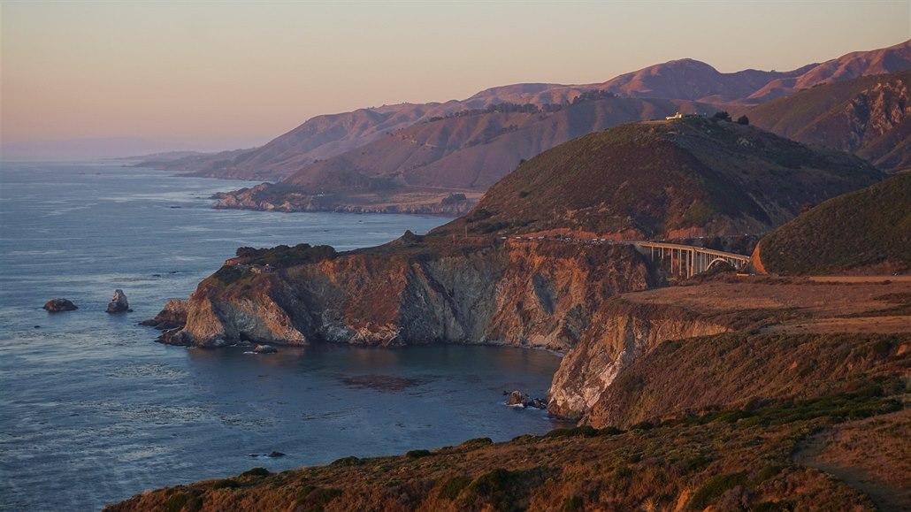 Dodávkou po Kalifornii: přespávání na odpočívadlech je adrenalin