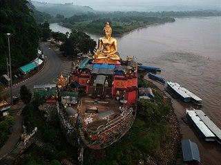 Zlatý trojúhelník. Pohled na Mekong na pomezí Thajska, Laosu a Maynmaru. (20....