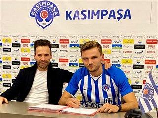 Tomáš Břečka (vpravo) a jeho manažer Viktor Kolář (vlevo) ze společnosti Sport...