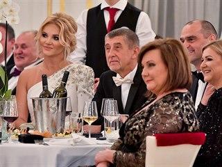 Premiér Andrej Babiš (uprostřed), jeho manželka Monika (vlevo) a Alena...