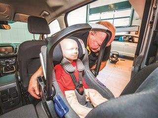 Během testu je prověřována ochrana a komfort dětí.