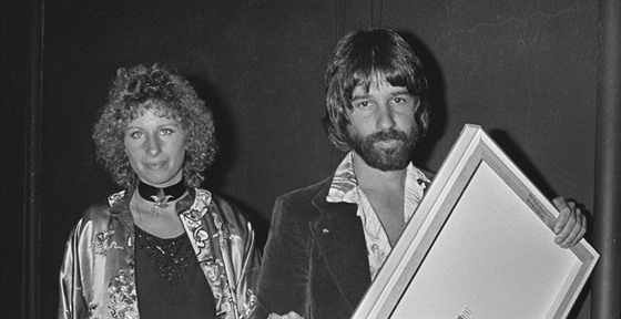 Barbara Streisandová a Jon Peters (1977)