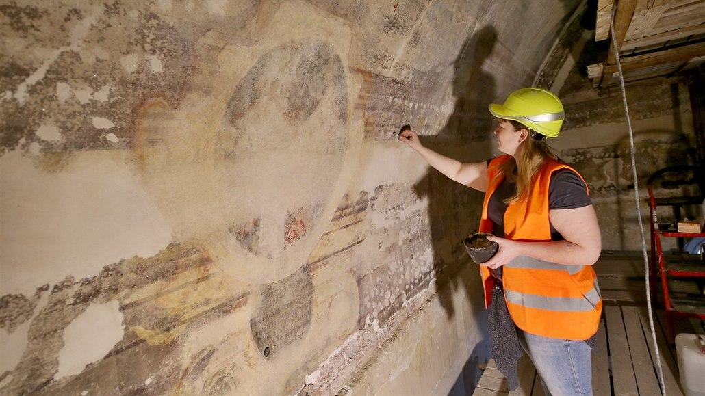 Na brněnské radnici spravují zničenou fresku, rozluštili všechny erby