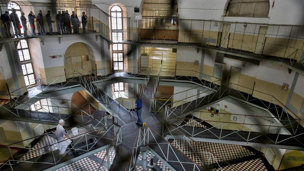 Vězeň zemřel v den nástupu do cely, podle policie bez cizího zavinění