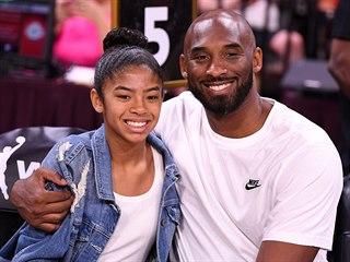 Kobe Bryant a jeho dcera Gianna na snímku z Utkání hvězd WNBA 2019