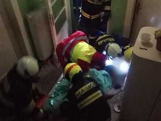 Čtyřiadevadesátiletý obyvatel domu v Kostelci nad Orlicí utrpěl při požáru...