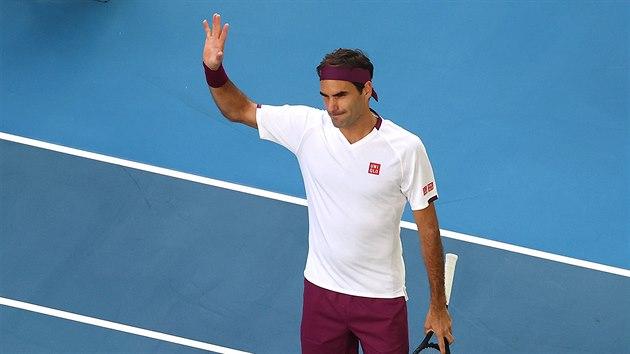 Hádky, pauzy, karambol. Federer v Melbourne odvracel sedm mečbolů