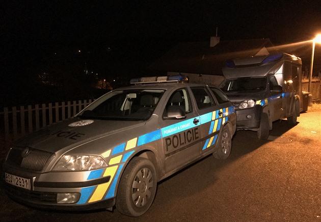 Policie oznámí, jak objasnila případy vloupání do domů kolem Prahy