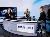 Popularizátor kosmonautiky Dušan Majer (vlevo) a konstruktér české družice...