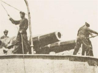 Peruánští vojáci při obraně proti španělským dobyvatelům. Válčilo se o ostrov s...
