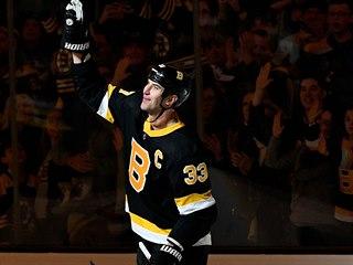 Bostonský kapitán Zdeno Chára odehrál za Bruins už více než 1000 duelů, v NHL...