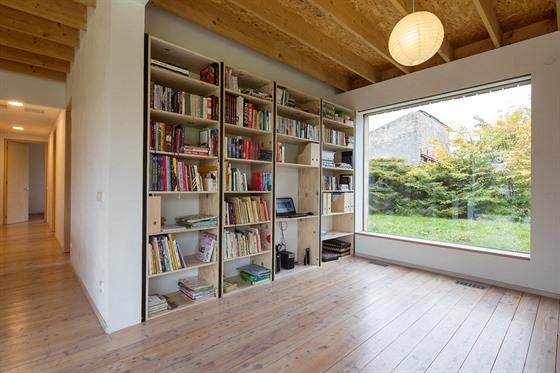 Přímočaré prvky a nepřeplněný interiér tvoří celek příjemný nejen na pohled....