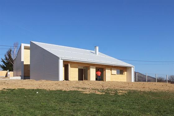 Stavba byla dokončena už v roce 2015. Od té doby se prý v zemi mnohé změnilo k...