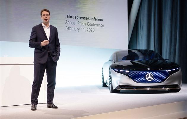 Daimler osekává náklady i odměny, potřebuje investovat do elektromobilů