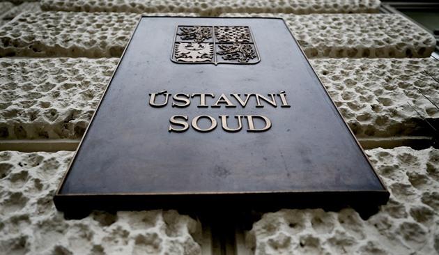 """Justice """"kryla"""" únos dítěte do Čech. Ústavní soud se zastal britského otce"""