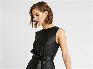 Kožené šaty vypadají skvěle, naučte se je nosit i vy!