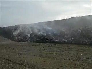 Požár skládky ve Zdechovicích na Pardubicku