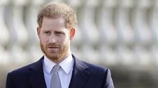 Co dalšího prozradí princ Harry? Na konci příštího roku vyjde knižně jeho intimní zpověď
