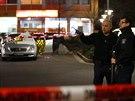 Okolí střelby i několik dalších ulic v Hanau německá policie okamžitě uzavřela...