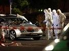 Experti zkoumají následky střelby v německém Hanau. (20. února 2020)