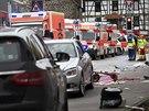 V německém Volkmarsenu vjel automobil do masopustního průvodu. (24. února 2020)