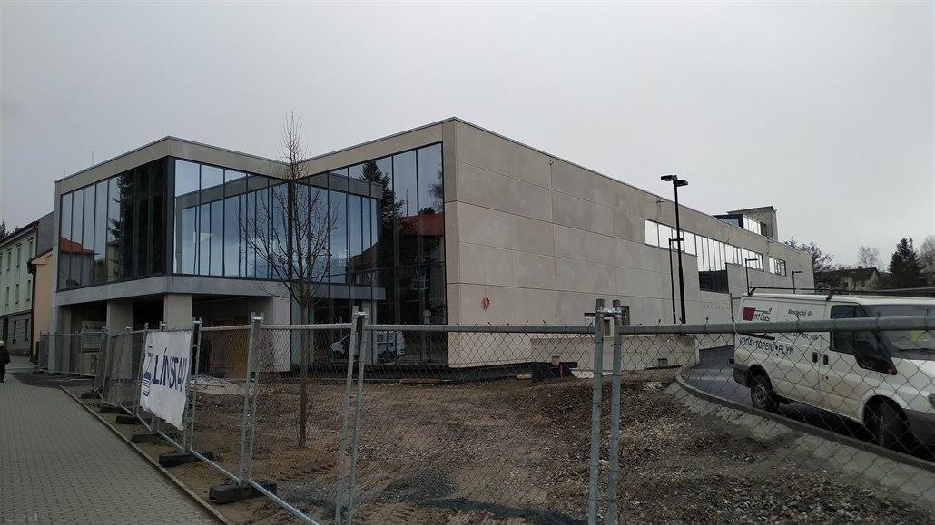 Novou knihovnu v Brodě ozdobí velké umělecké dílo, bude stát před vchodem