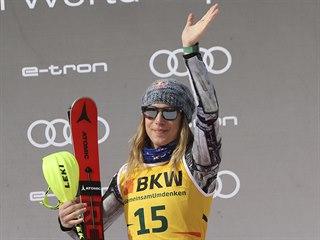Česká lyžařka Ester Ledecká se raduje ze třetího místa v kombinaci v Crans...