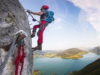 Ferrata na rakouské hoře Drachenwand u jezera Mondsee