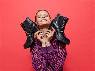 Zdobení na botách je IN.