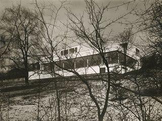 Když byla v roce 1930 dokončena slavná vila Tugendhat architekta Miese van der...