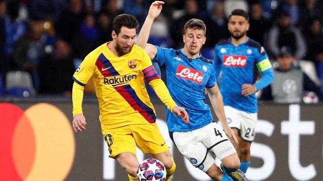 Barcelona remizovala v Lize mistrů v Neapoli