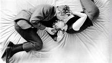 Joanne Woodwardová a Paul Newman v romantické komedii A New Kind of Love (1963)