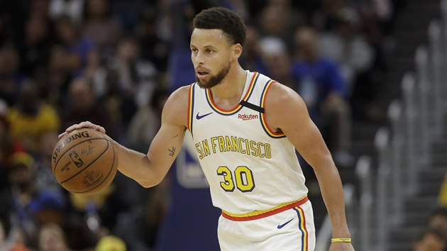 Stephen Curry z Golden State v utkání proti Torontu.