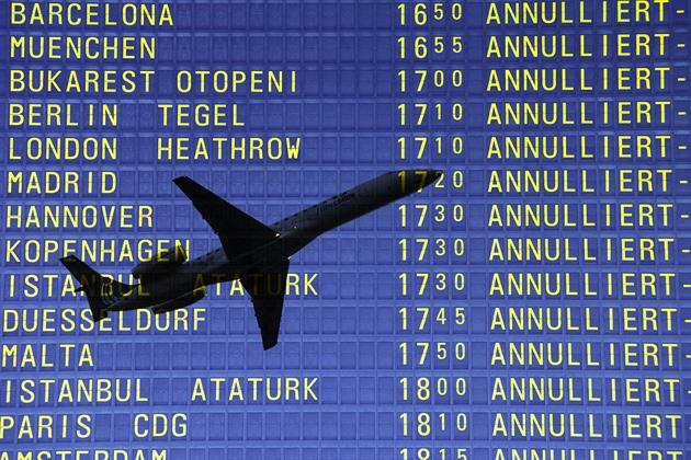 Nezachraňujte aerolinky! Ať nejdřív začnou řešit klima, volají aktivisté