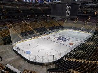 Také Scotiabank Arena v Torontu zůstane kvůli koronaviru na nějakou dobu...
