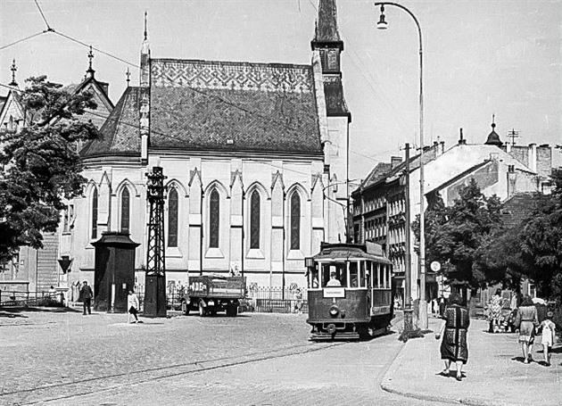 Českobudějovická MHD v proměnách času. Dopravní podnik slaví 70 let